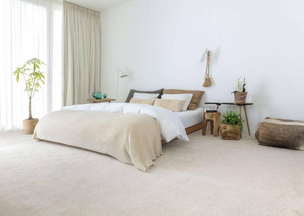 bedroom carpet light grey