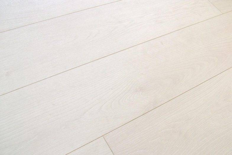 Kronoswiss 12mm Davos Oak white laminate flooring