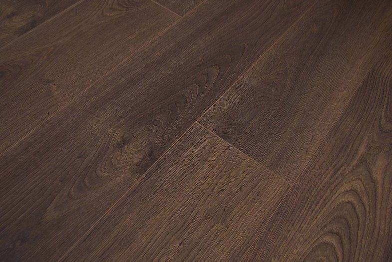 Kronoswiss 12mm Leysin Oak llamainet flooring
