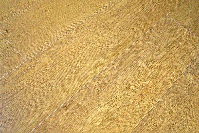 Lifestyle Chelsea Nature Oak laminate flooring made by Balterio