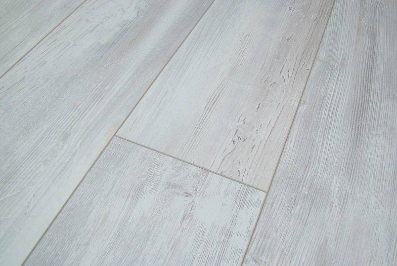 Cottage Palmer Fitche wide plank laminate flooring