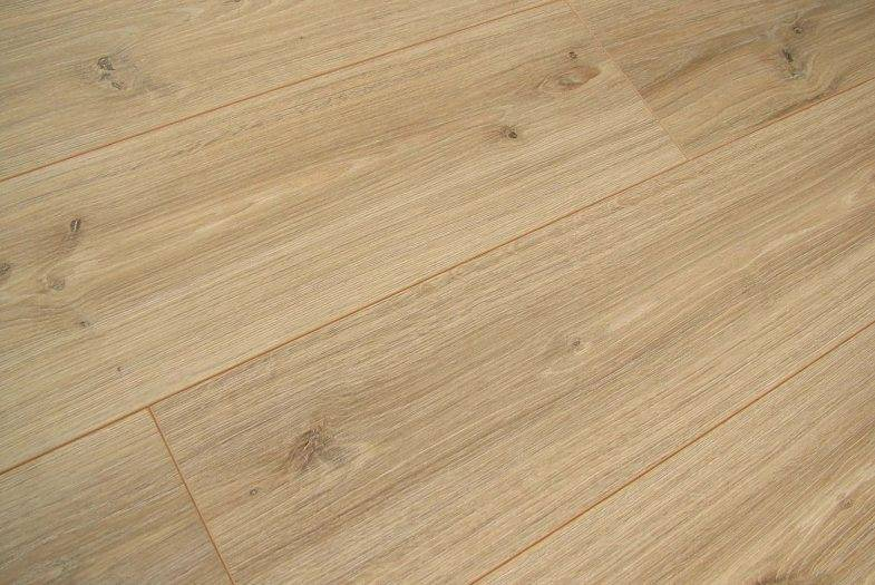12mm Kronotex Robusto Phalsbourg Oak laminate flooring