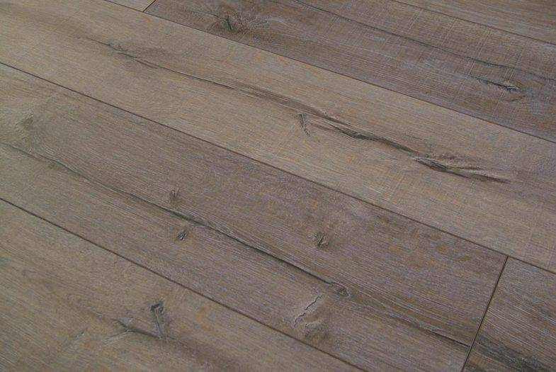 Kronotex Robusto 12mm Rip Oak laminate flooring