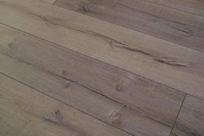 Kronotex Robusto 12mm Rip Oak laminate flooring