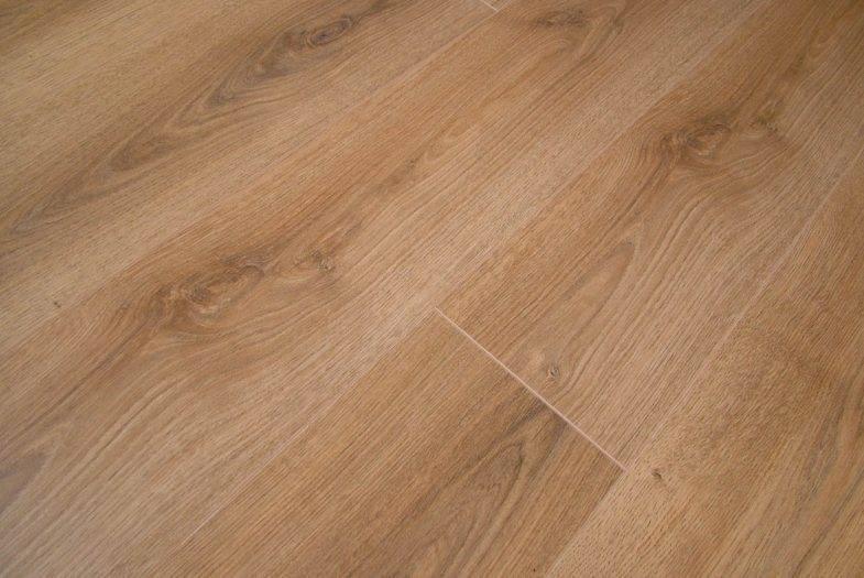 Kronotex Summer Oak laminate flooring