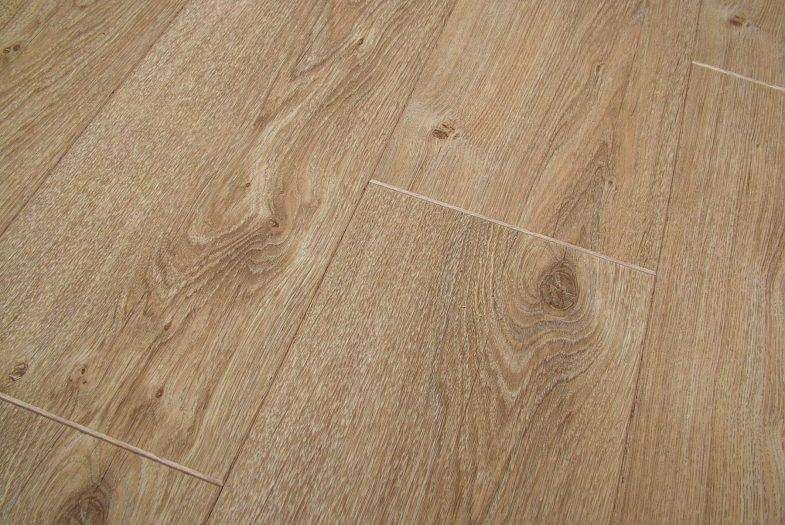 Lifestyle Chelsea Traditional Oak flooring by Balterio