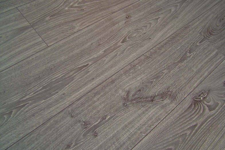 Kronotex 12mm Robusto Timeless Grey Oak laminate flooring