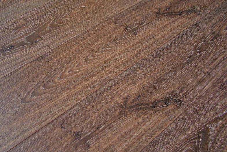 Kronotex Robusto 12mm Timeless Oak laminate flooring