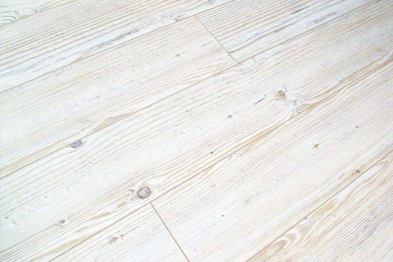 Kronotex Amazone 10mm Siberian Pine bleached effect laminate flooring