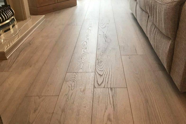 Kronotex Amazone Oak Dezent floor fitting job