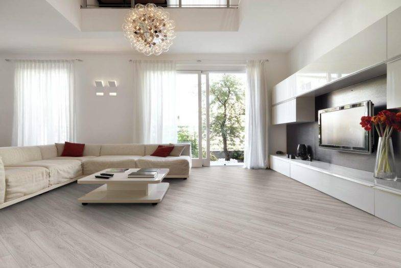 Luvanto Pearl Oak click LVT wood effect flooring