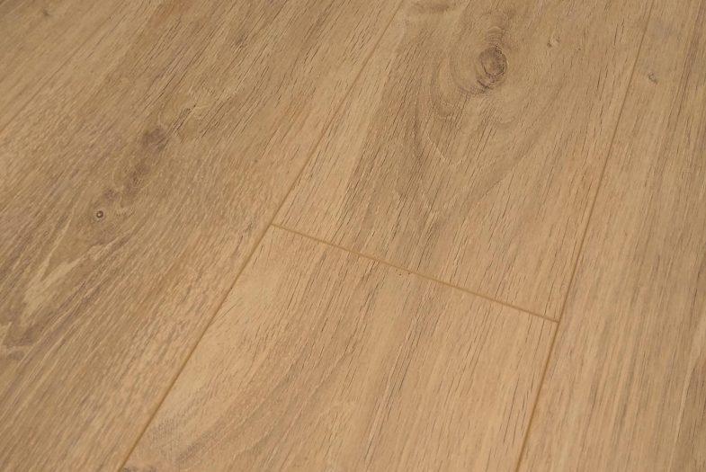 Oak laminate flooring 8mm click