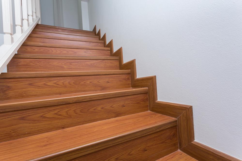 carpet-or-laminate-on-stairs